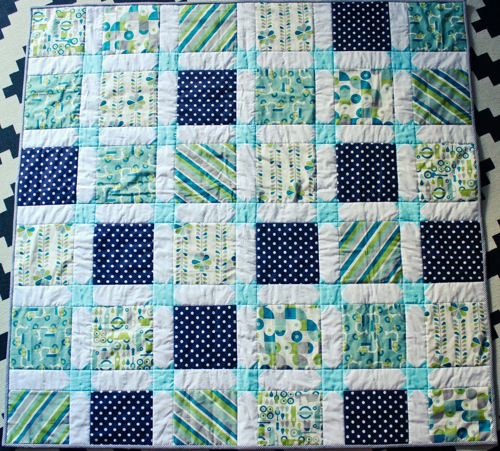 star sashing baby quilt